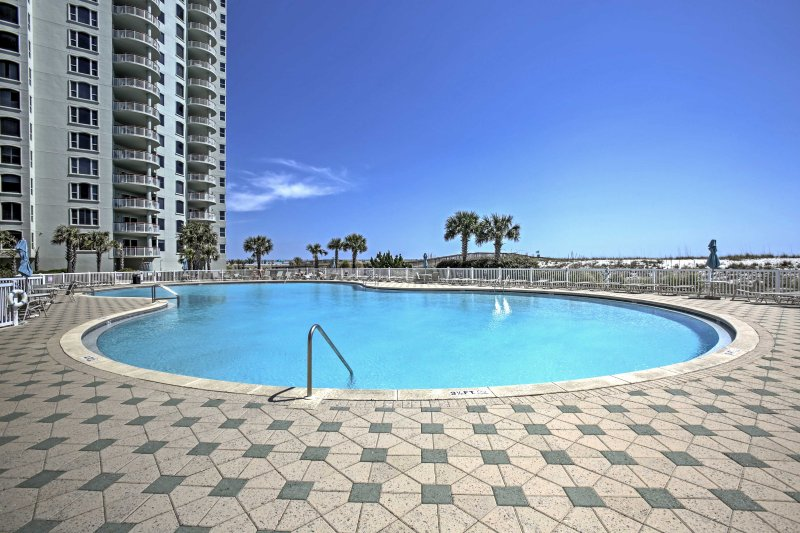 Discover a beachfront paradise at this Navarre Beach vacation rental condo!