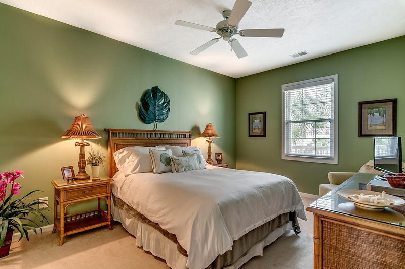 Queen bedroom with so much room