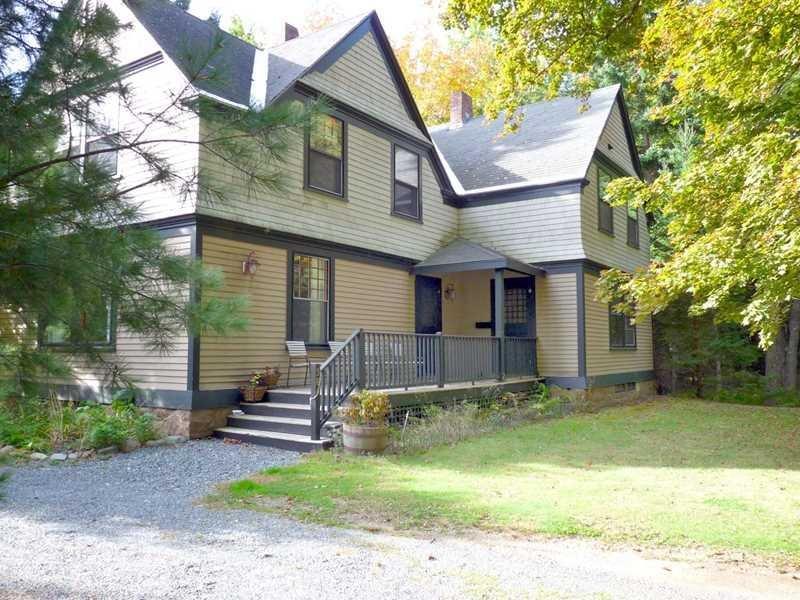 Vanderbilt Lodge - 4 BR, 2.5 BA, elegant, restored classic, water access & walk, holiday rental in Winter Harbor