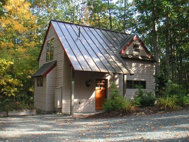 Acorn Cottage - in the village of Bar Harbor, walk or bike to ANP and the downto, vacation rental in Otter Creek
