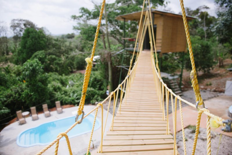Tarzan Honeymoon Treehouse w/ Pool, Zipline - No clean fee!!, holiday rental in San Carlos