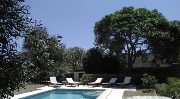 Jardín del Paraíso Granja piscina