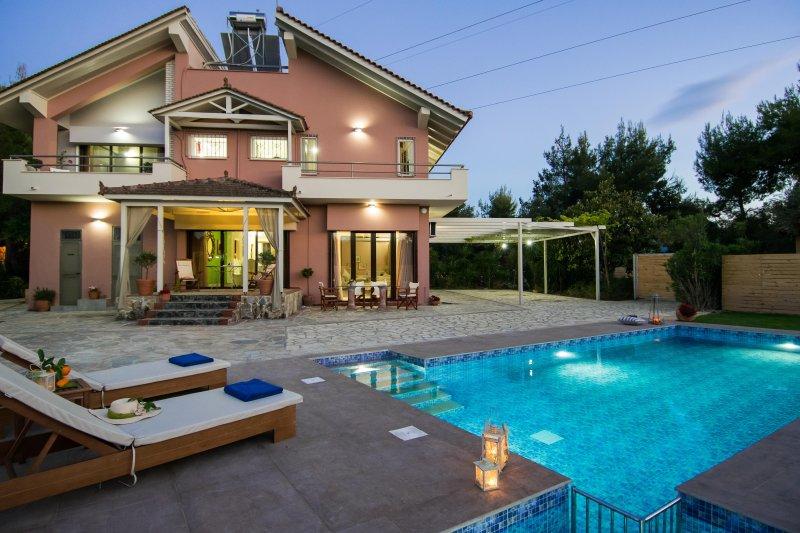 La Maison du Maire - 5 Bedroom Villa, vakantiewoning in Zakynthos Town