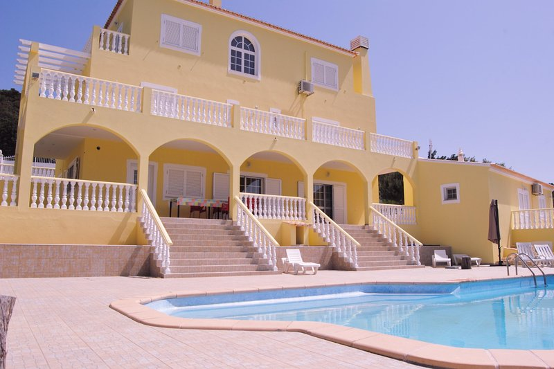 Villa With Private Pool- Rural- Sea View, alquiler vacacional en Faro