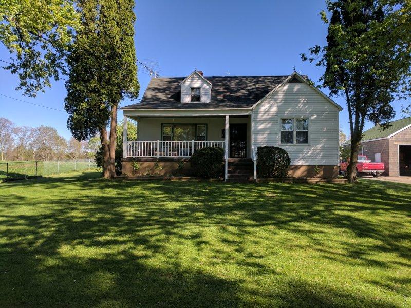 Charming house in the country, aluguéis de temporada em Rainelle