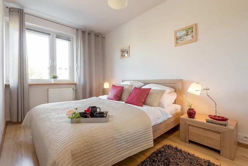 2 Bed. Apartment METRO IMIELIN, location de vacances à Jozefow