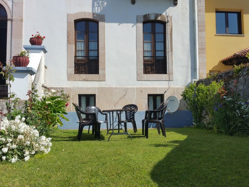 CASA NOGALES, vacation rental in Llanes