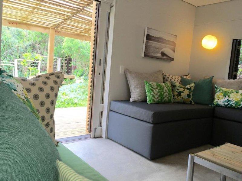 Un lit de jour d'angle confortable peut également être réglé pour une personne supplémentaire si nécessaire.