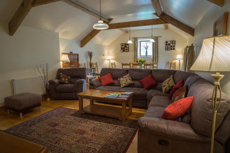 Little Longstone Barns, Cow Hey, holiday rental in Calver