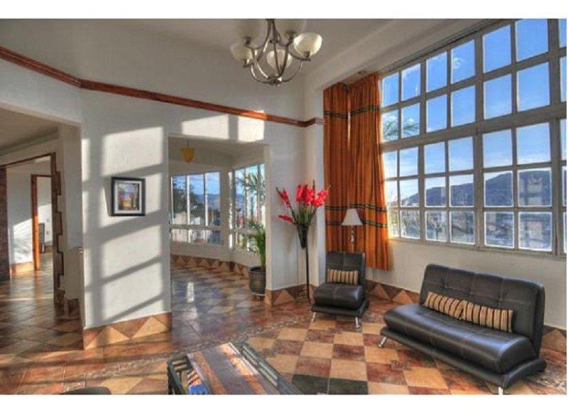 Stunning Penthouse Apartment, holiday rental in San Pablo Etla