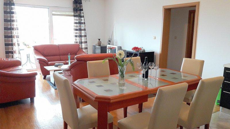 Standard City Beach Apartment Toni, alquiler de vacaciones en Makarska