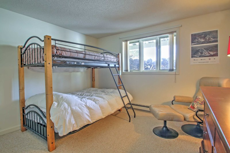 Be the first to call the top bunk!