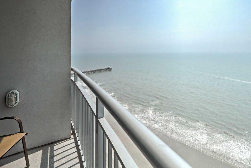 Genießen Sie Meerblick vom Balkon.