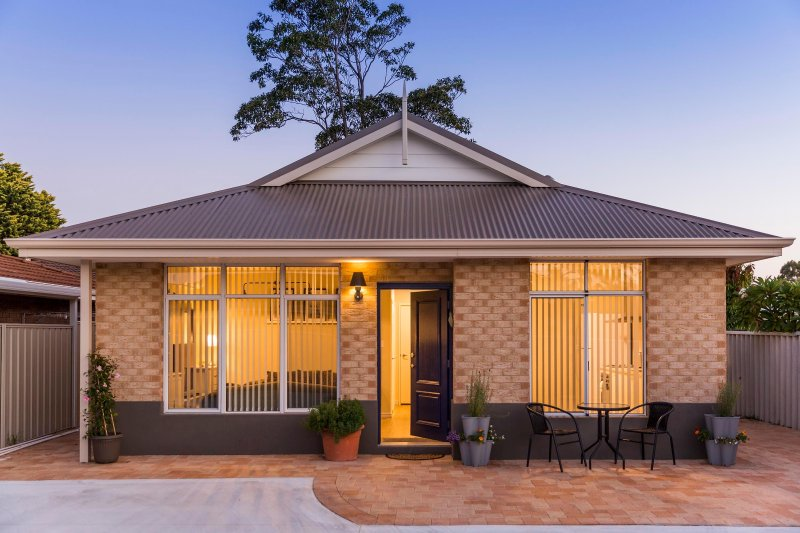 Welcome to a Perth lifestyle just 30 mins from the airport
