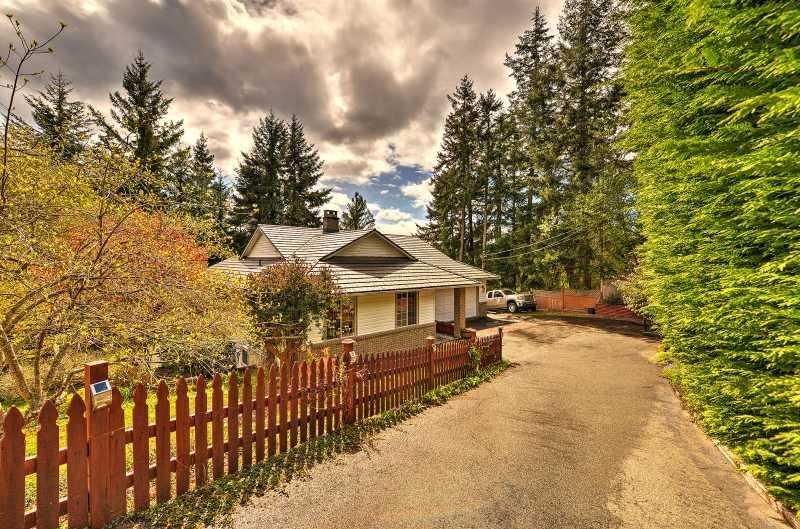 Centrally Located 3 bedroom Vancouver Island Vacation Home, holiday rental in Nanoose Bay