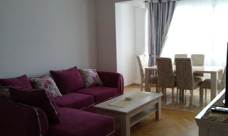 Apartment in the center,Bar,Montenegrin coast, Ferienwohnung in Bar