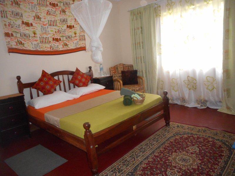 Semi detached house with 2 bedrooms, aluguéis de temporada em Kampala
