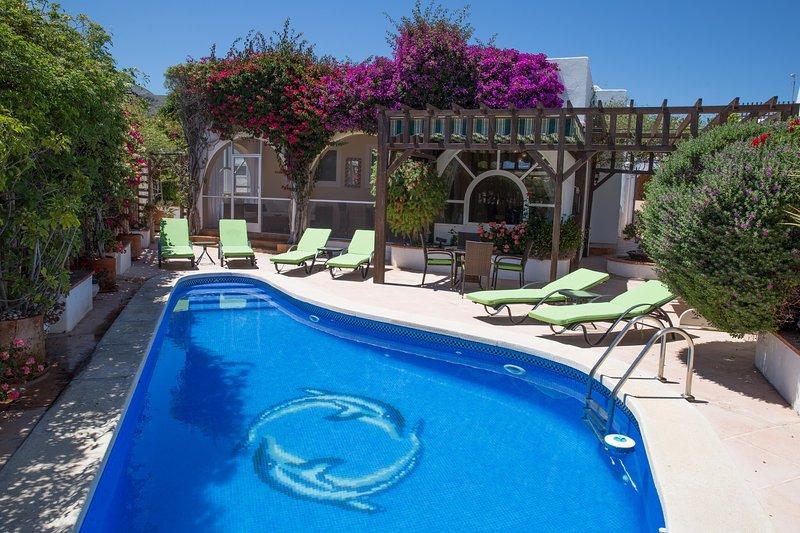 Luxury 3 Bedroom, 3 Bathroom Villa, Mojacar Playa, location de vacances à Mojacar Playa