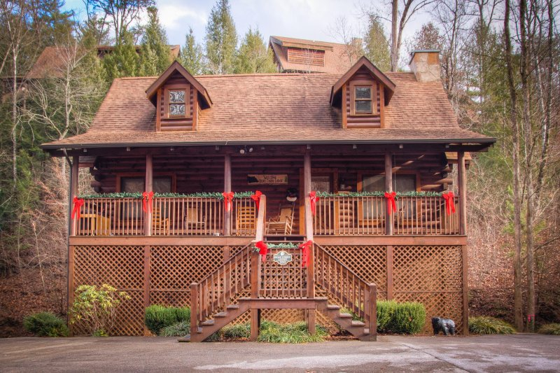 Astounding Bear Creek Lodge Updated 2019 5 Bedroom Cabin In Pigeon Home Interior And Landscaping Pimpapssignezvosmurscom