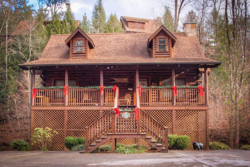 Awe Inspiring Bear Creek Lodge Updated 2019 5 Bedroom Cabin In Pigeon Download Free Architecture Designs Scobabritishbridgeorg