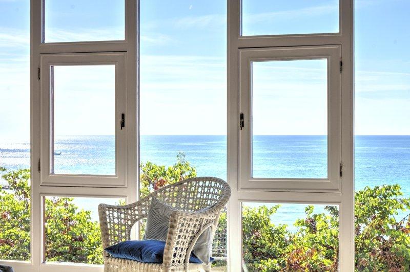 Apartamento lujoso con vistas al mar ' La Ventana', location de vacances à Senija