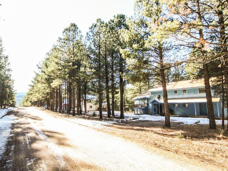 Stay and Play at Black Bear Lodge, holiday rental in Angel Fire