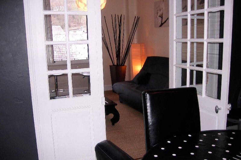 CHARMANT  T3 DE  70 m2   DANS MAISON  DE CARACTERE, vacation rental in Luz-Saint-Sauveur
