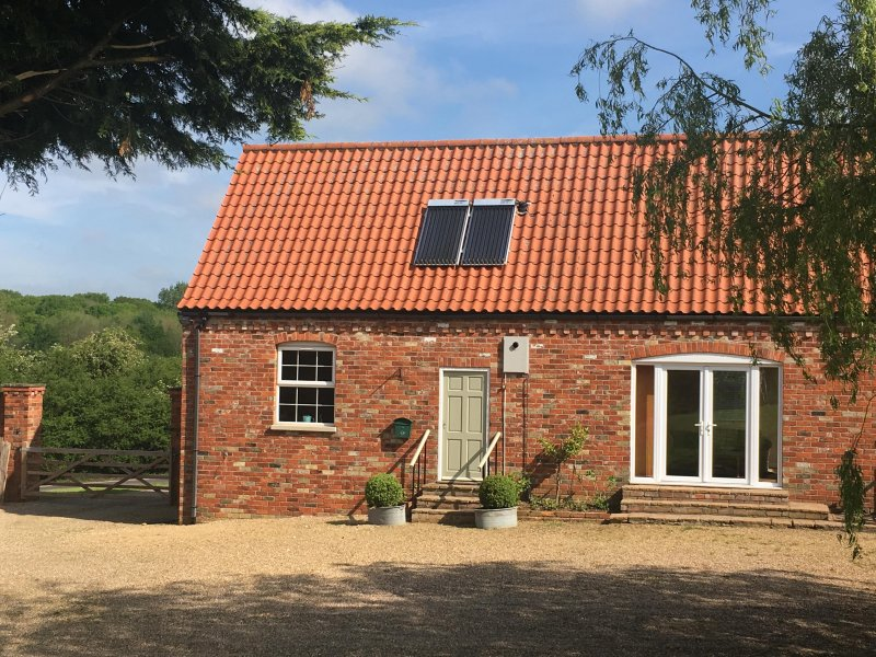 Set in the heart of the beautiful Lincolnshire Wolds, next to the Viking Way., vacation rental in Minting