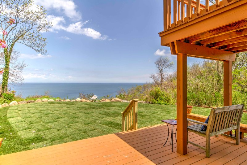 Enjoy spectacular views from this 3-bedroom, 2-bathroom vacation rental house in Rocky Point, New York!