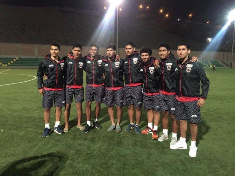Prenez une main au football, le sport du Pérou, et jouer avec nos gars. Le club dispose de 3 équipes sur 1 Club Dan.