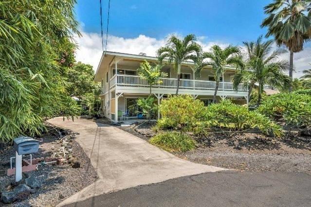 The Cabana, 3/2 1500 sq/ft partial Ocean view. Half block off Ali'i Dr, Kailua Kona, Hawaii.