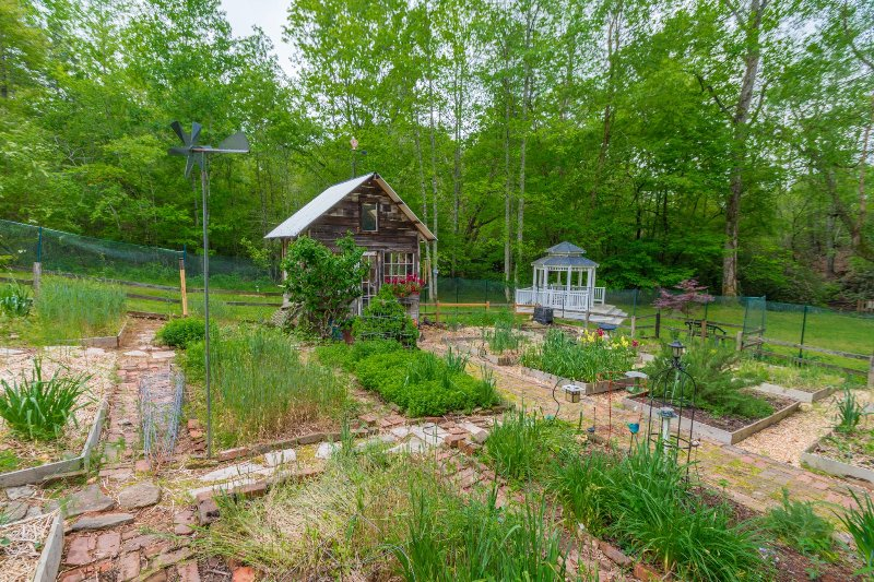 Garden House 2BR 2BA