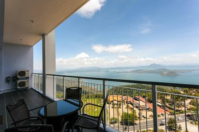 3BR Penthouse Condo Suite w/ Taal View in Tagaytay - Ultimate Staycation, holiday rental in Alfonso