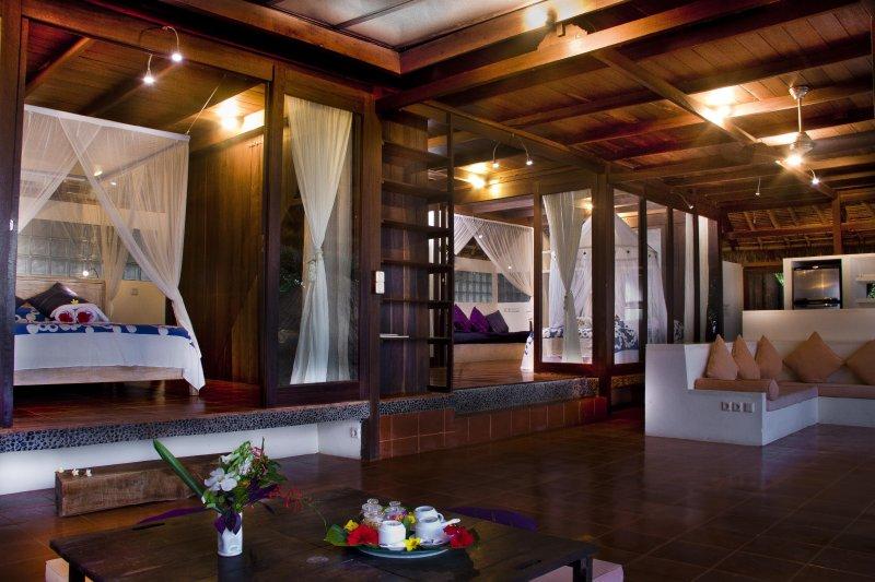 Three Bedrooms Villa, vacation rental in Padangbai