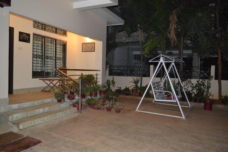 Meadows Inn - HomeStay, vacation rental in Guwahati