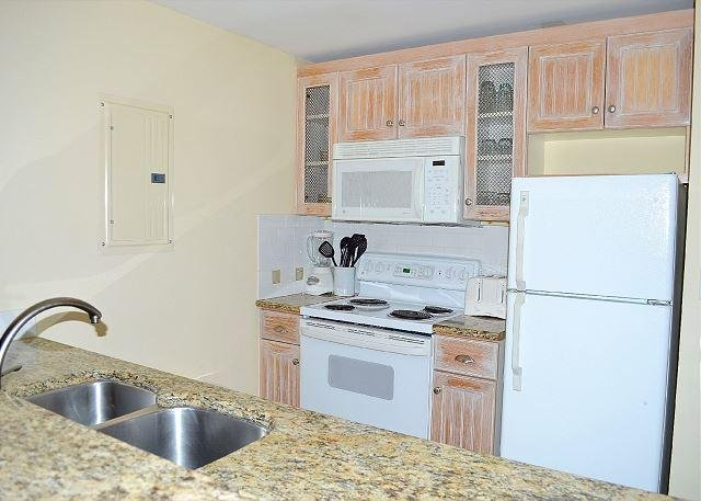 Pilot House 330 Kitchen
