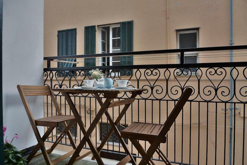Monolocale a 30mt dal mare con terrazzo – 3M, vacation rental in Borghetto Santo Spirito