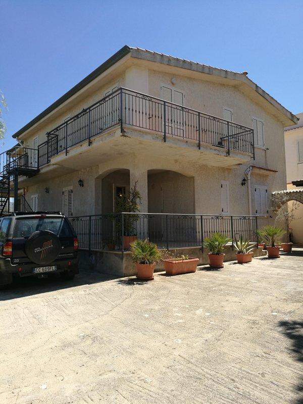 appartamento in villa, alquiler de vacaciones en Trappeto
