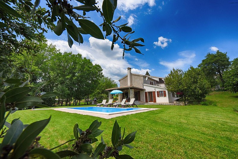 Casa Garibaldi - vacation in the heart of nature, alquiler de vacaciones en Buzet