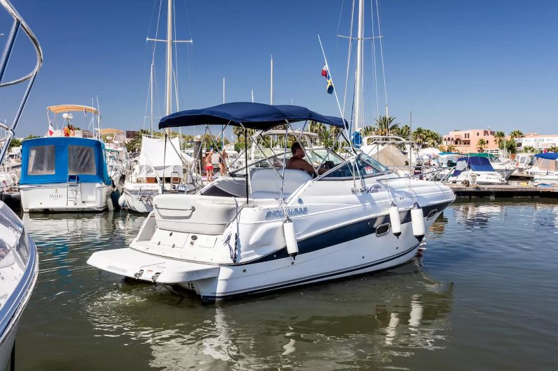 Luxury Yacht Port Naturiste Cap d´Agde, holiday rental in Cap-d'Agde