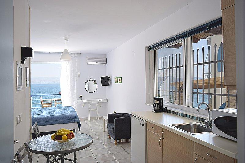Holiday Beach Studio Apartment in Kiveri village close to Nafplion