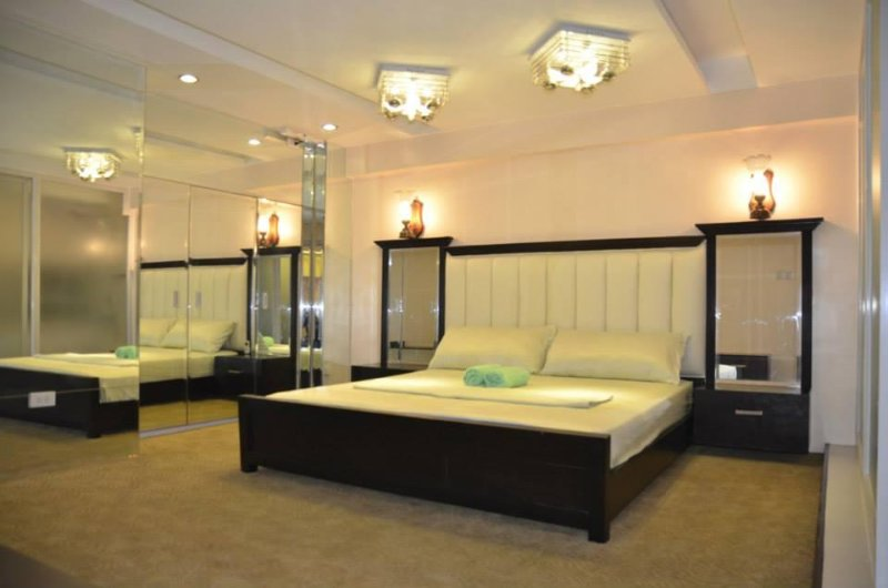 Enjoy a king size bed, Comfy Mattress,  High quality pillow and beddings. We provide extra towels.