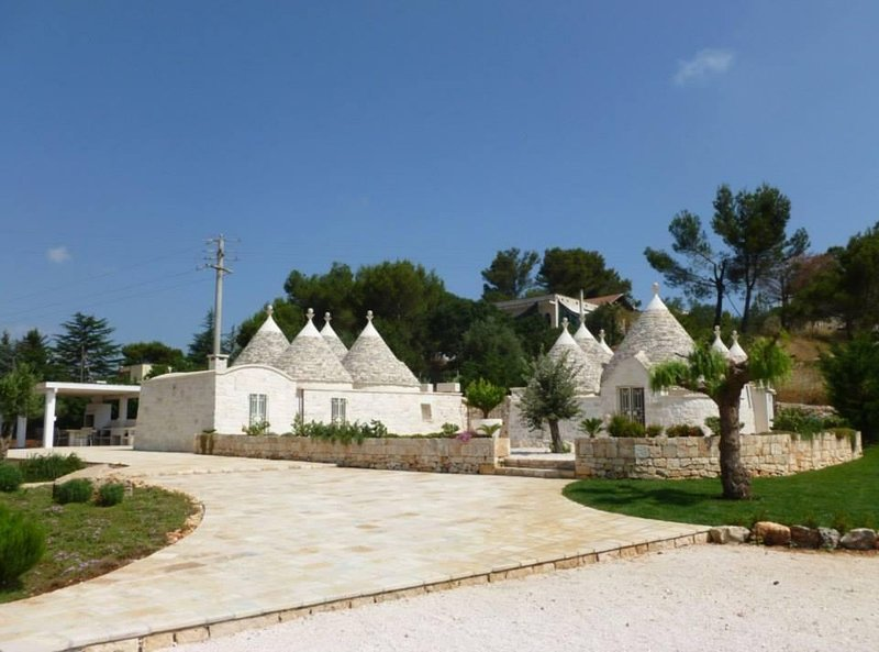 NEW! Luxury Trullo for unforgettable countryside escape holiday!, holiday rental in La Fica