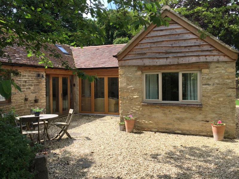 pretty cottage hideaway, location de vacances à Clanfield