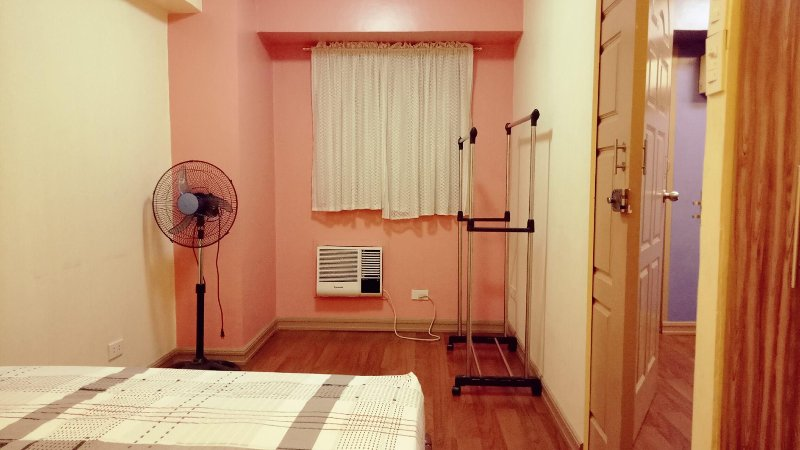 Short TERM STAY ROOM FOR RENT in TAFT AVE MALATE MANILA with WIFI