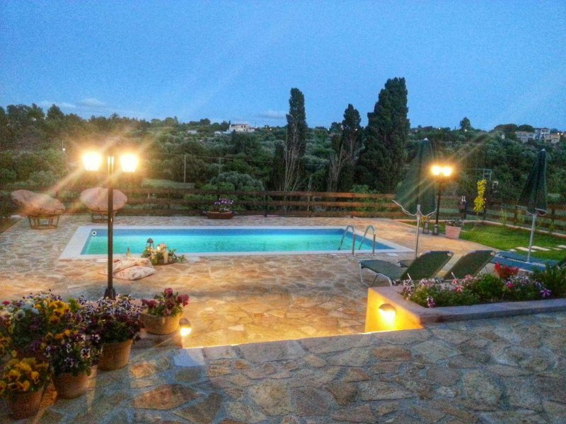 Villa Kantrillies With Private Pool,lakithra, Kefalonia, Ionian Islands, holiday rental in Lakithra