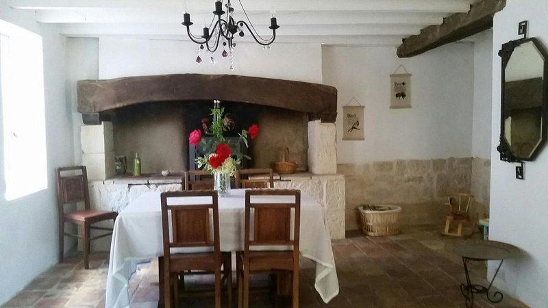 Maison de campagne entre Vignobles et Bastides, casa vacanza a Castelnau-de-Montmiral