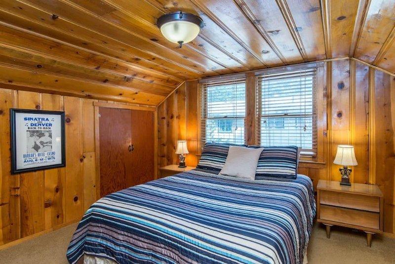 Queen room one block from Regan Beach!