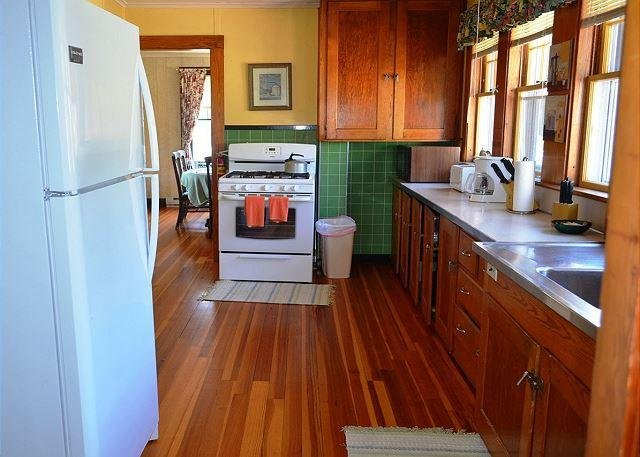 Large fully applianced kitchen.