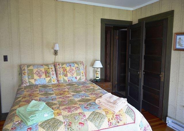 Bedroom 3: Master queen bedroom.